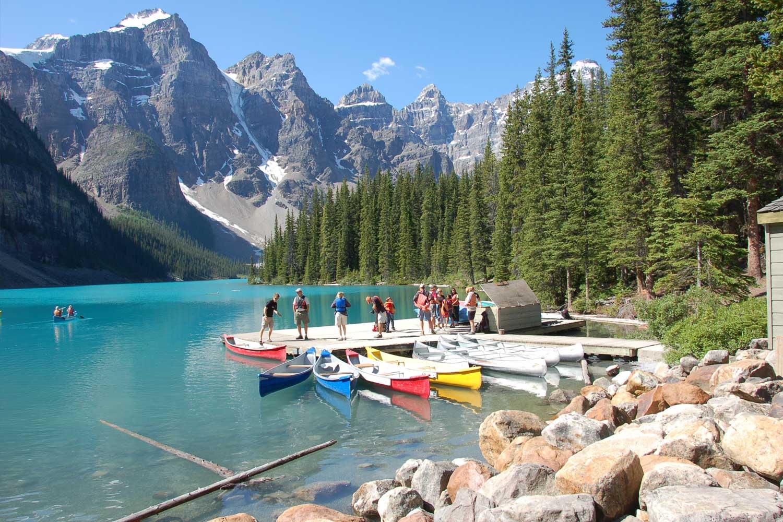 03 Large Moraine Lake Lodge