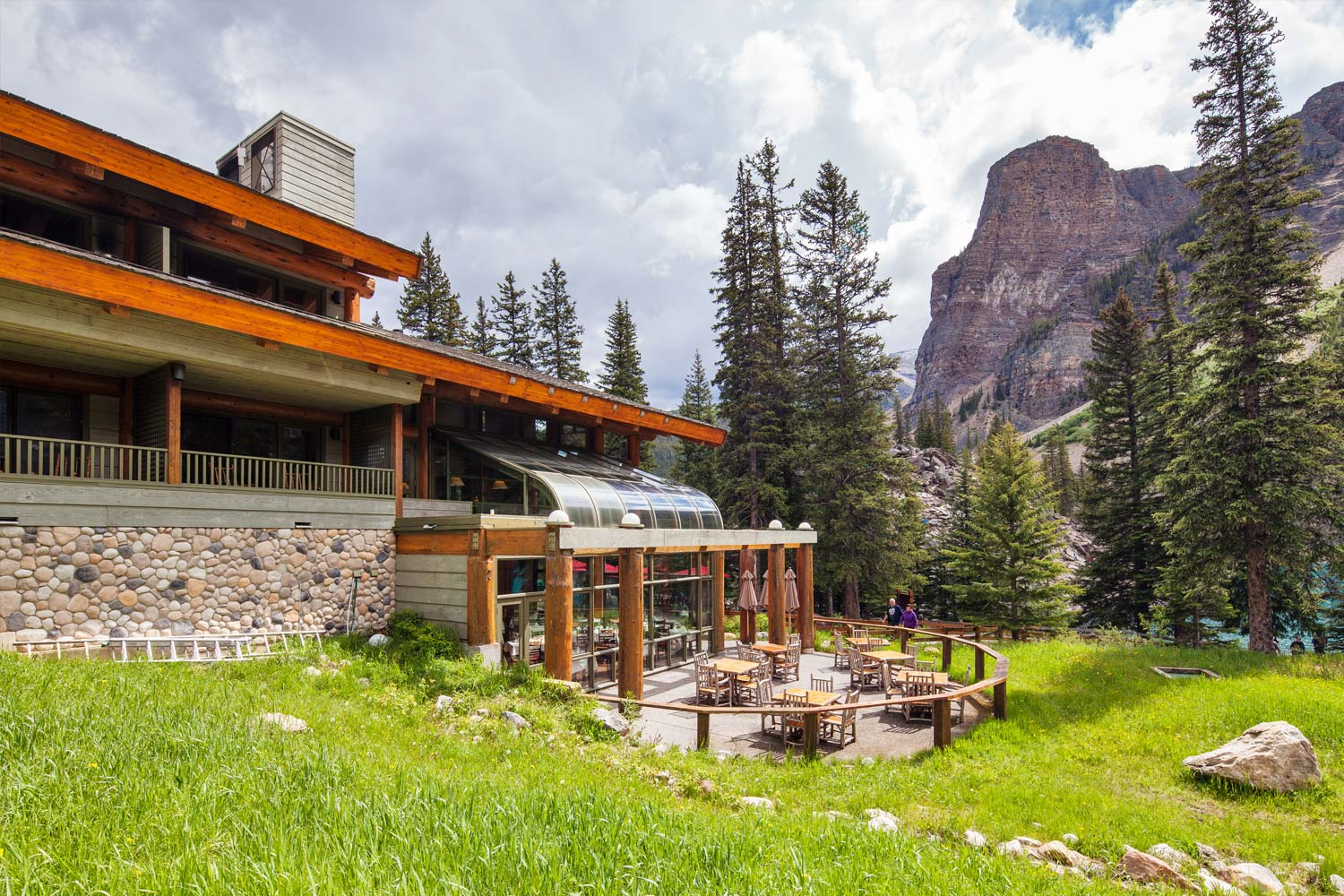 View Our Photo Gallery Moraine Lake Lodge In Banff
